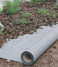 Как правильно положить геотекстиль на садовом участке?