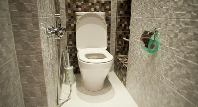 Отделка маленького туалета